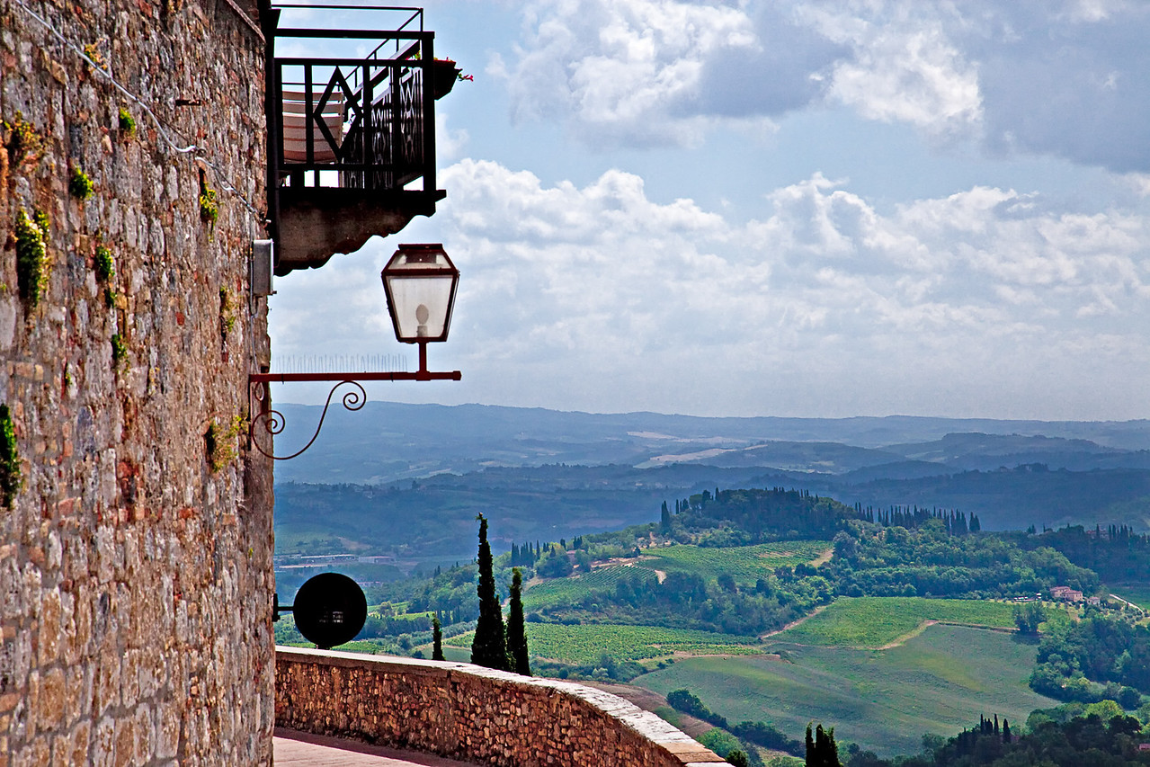 TUSCAN COUNTRYSIDE AS SEEN FROM SAN GIMIGNANO