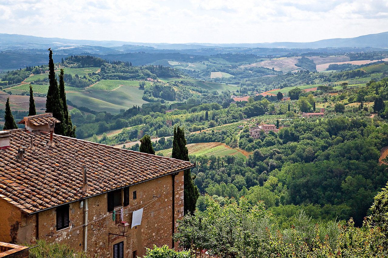 VIEW FROM OUTSIDE WALL OF SAN GIMIGNANO