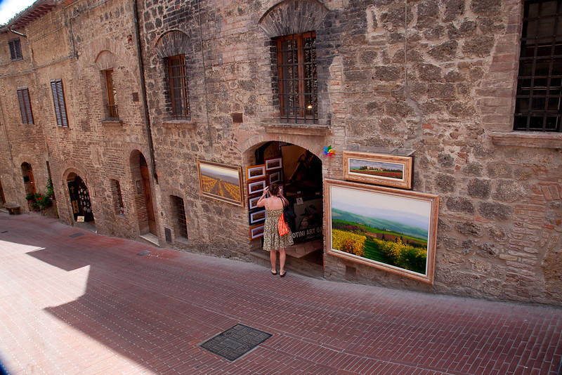 ART GALLERY IN SAN GIMIGNANO