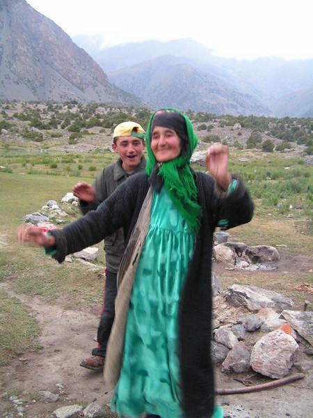 Bailes tadjikos