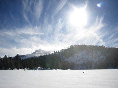 Tahoe - Snowshoeing to Scotts Lake