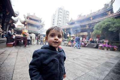 Rohan seems impressed with the Longshan temple.
