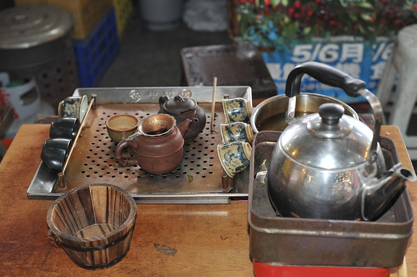 Tea vendor stand in the Tainan open air market