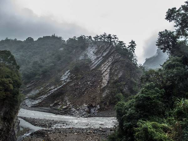 Typical strata along Wu Xi