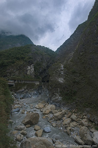 close up of taroko gorge