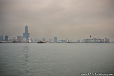 Kaohsiung is an industrial city, sibei foggy