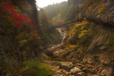 Yukdam Falls_Seoraksan NP_Korea