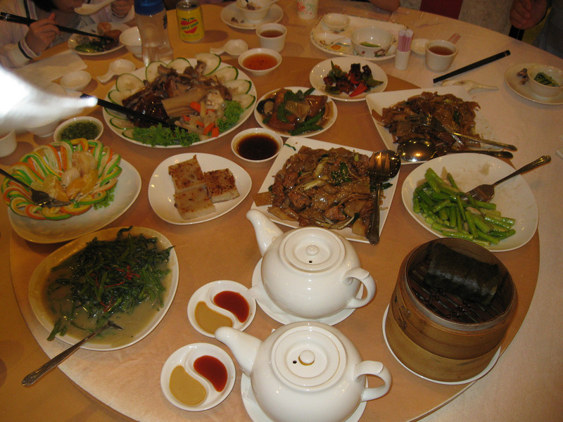Dinner with Julie's friends at a Cantonese restaurant.