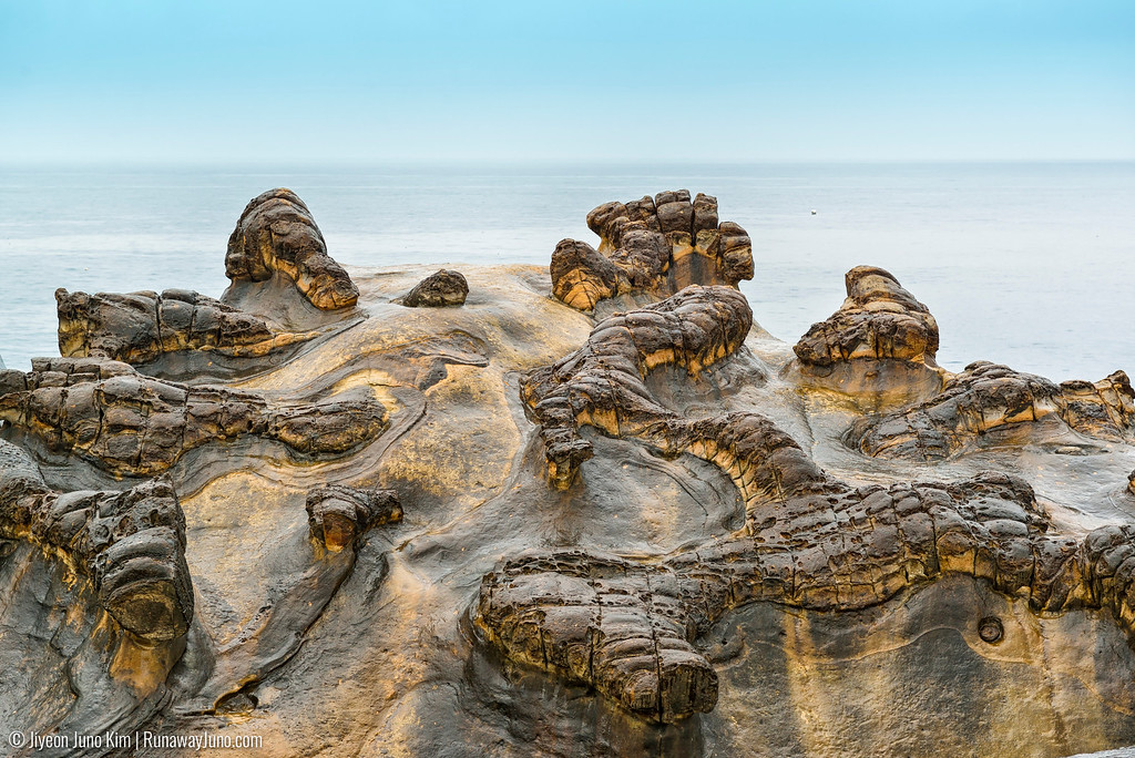 rock formations at Yehliu Geopark
