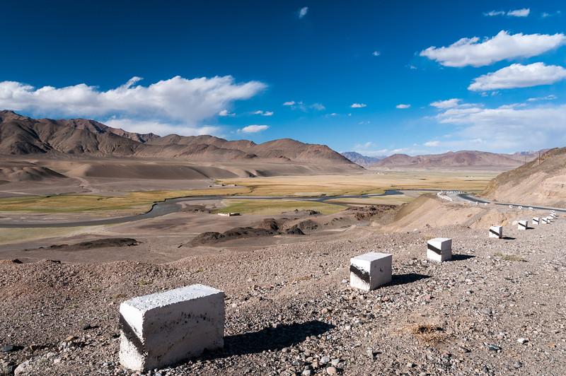 M41 Pamir Highway nr Murghab. Tajikistan