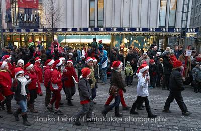 Tonttuparaati -   Christmas fairies.Tampereen Joulunavaus - Christmas Season Opening  at Tampere 2009