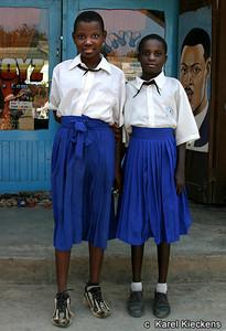 T 02_14 Kyela Schoolmeisjes