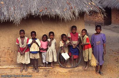 T 02_40 Mbamba Bay Kinderen