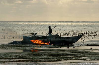 T 03_39 Oostkust Zanzibar Schoonbranden