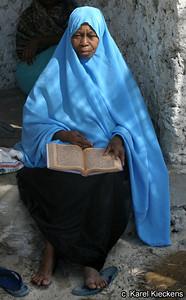 T 03_33 Jambiani Met de Koran