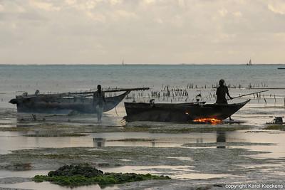 T 03_40 Oostkust Zanzibar Schoonbranden