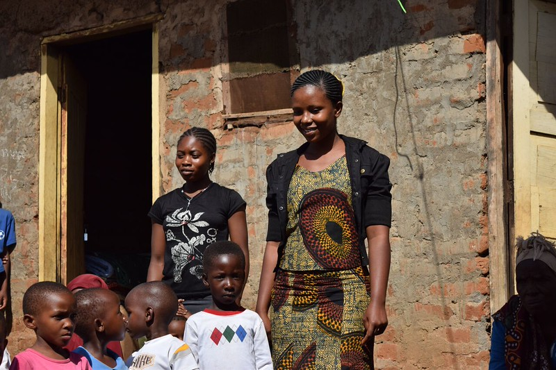 Teachers and students in front of Elimaa School in Kwamorombo. photo by Shelby Morgan.