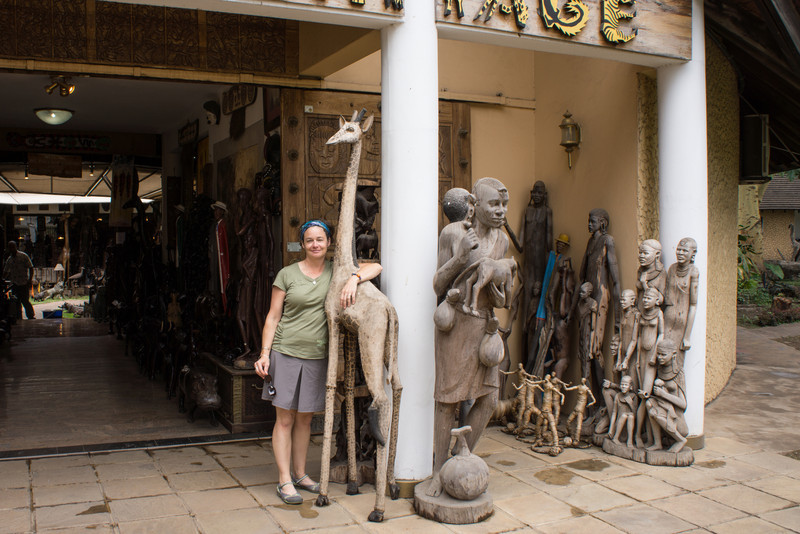 Lisa and giraffe.