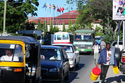 street scene in front of the Hotel Kilimanjaro, Dar es Salaam