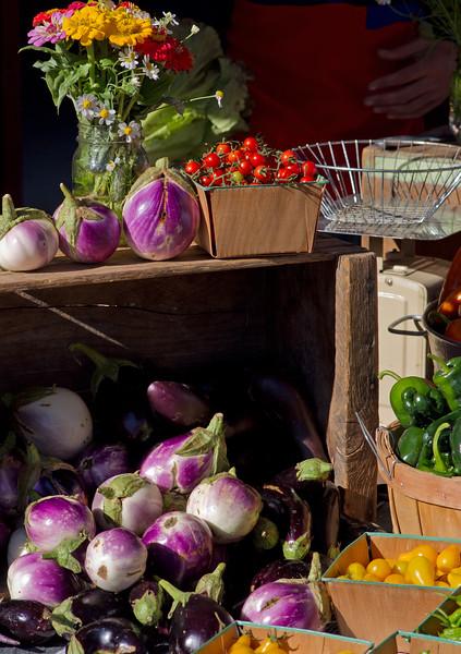 Produce; Taos farmer's market.