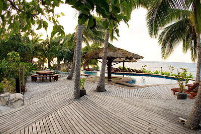 Tavarua resort swimming pool