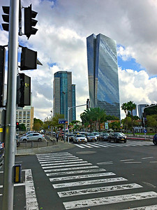 Walking to Tel Aviv Art Museum: Azrieli Sarona Tower and German Templar Colony buildings at right