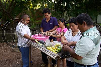 There were lots of people who participated (about 40) and everyone helped to prepare. Costa Azul, Sonsonate, El Salvador.
