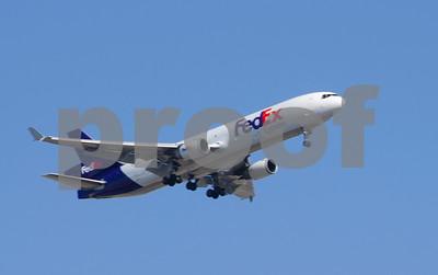 FedEx jet flying Tempe 7205