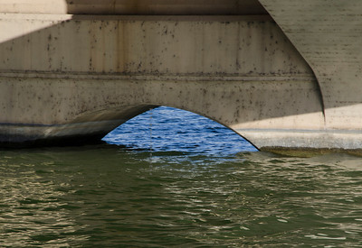 Water under Mill Ave bridge Tempe 7247