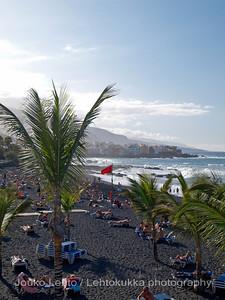 Puerto de la Cruz: Black sand