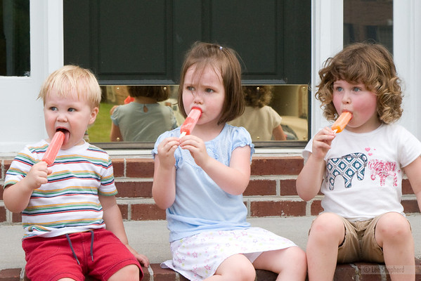 Nothing better than popsicles on a summer's day!