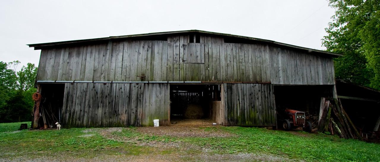 Barn by the house on Willie's farm