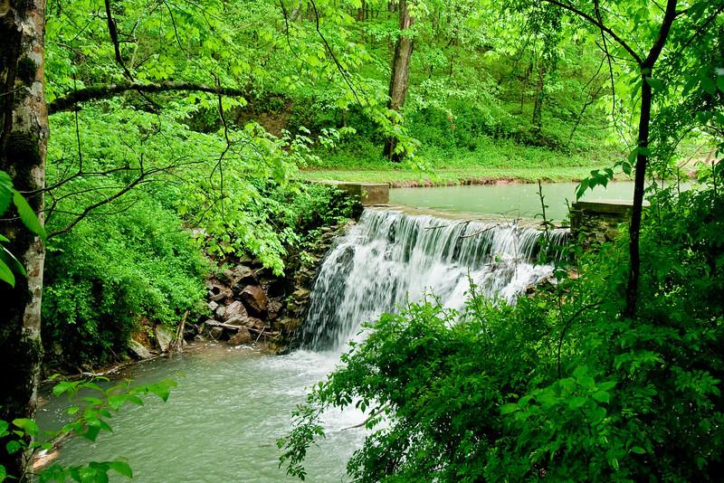 7482 Creek & Falls