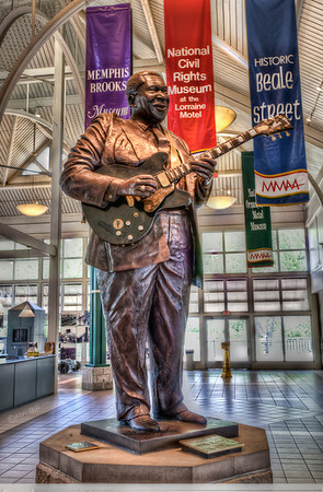 Statue of BB King