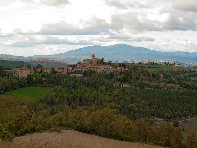 View from the driveway over to town of Lippiano