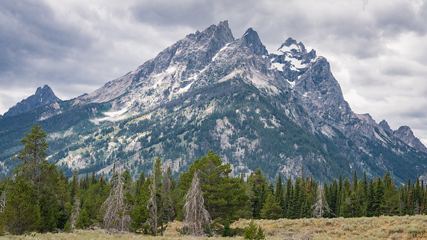 The Grand Teton National Park - Majestic Peaks