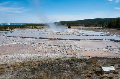 Yellowstone - Great Fountain geyser