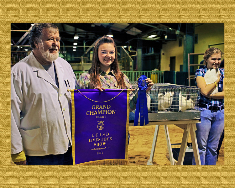 Kylie Smith Grand Champion FFA 2011 for Meatpin Rabbits