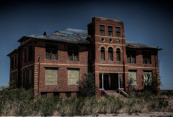 Abandoned High School in Toyah, TX