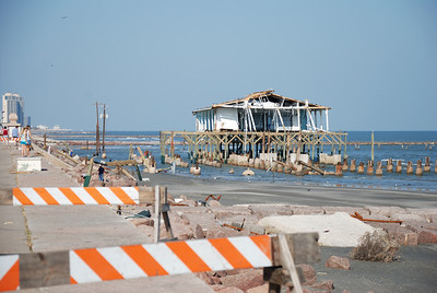 What's left of Galveston's souvenir shops on the seawall.