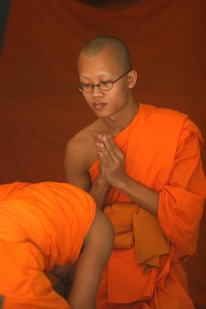 Praying Monk3