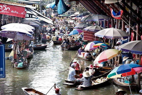 Floating market at Damnern Saduak is a colourful and popular attraction.