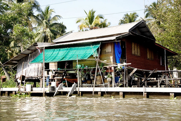 Private home on canal near Damnern Saduak floating market