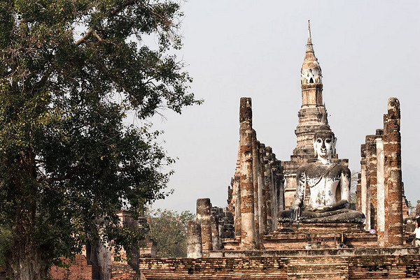 Sukhothai is Thailand's largest collection of historical ruins, including columns, shrines, temples and palaces.  This is the place where the Thai nation was born, the kingdom's magical and spiritual centre, which epitomizes old Siam.  <br /> <br /> Sukhothai's most famous king was Ramkamhaeng, who ruled from 1278 to 1318 and left a great legacy of art and architecture as well as stones inscribed with a chronicle of his achievement.  After his death, Sukhothai fell into terminal decline, as subsequent kings were unable to maintain political and economic power.