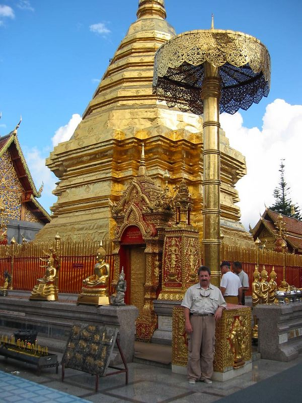 Our first action after arriving in Chiang Mai was a trip up the mountain to the Doi Suthep Temple complex with its huge golden Jedi.