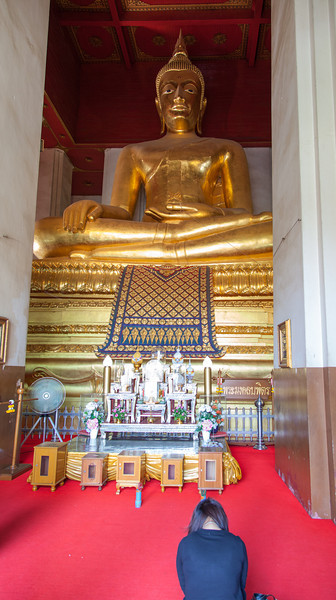 A Buddha image inside of Wat Mongkhon Bophit in Ayutthaya.