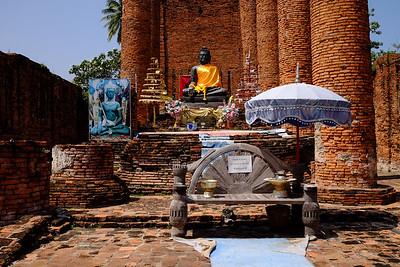 Shrine set in the ruins.