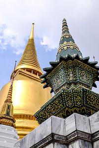 Phra Sri Ratana Chedi.