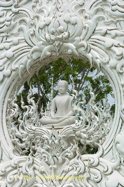 Wat Rong Khun Seated Buddha, Pa-or-donchai, Thailand