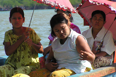Burmese to Thailand